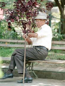 anziano-panchina-vn